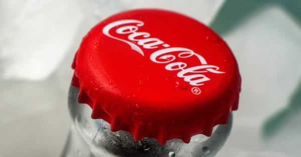 コカ・コーラの小規模オフィス向けキャッシュレス自販機「Coke mini」登場!「LINE Pay」「楽天ペイ」に対応