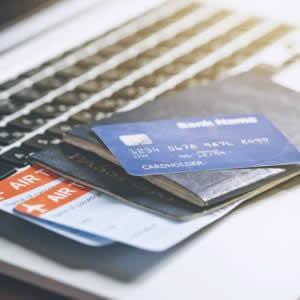 クレジットカード保険の「自動付帯」「利用付帯」の違いは?海外旅行保険自動付帯のおすすめカード3選