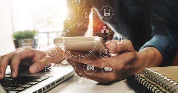 大手携帯3社のメッセージサービス「+メッセージ」、銀行の住所変更など手続き機能導入へ