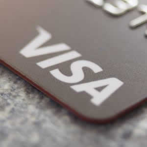 Visaプリペイド「Vプリカ」アプリリリース スキャンでコード入力不要に