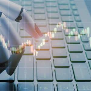 ロボアドバイザーと投資信託の違いは?投資対象や運用コスト、リスクについて解説