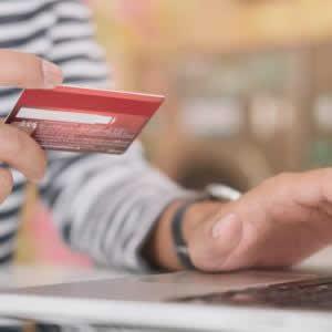 カード決済を店舗に導入するには?オンラインショッピングやイベントにも導入して売上を伸ばそう