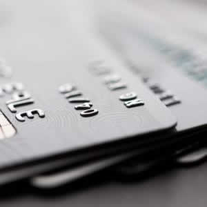 三井住友プラチナカードの年会費、メリット、限度額、ポイント還元率は?ラウンジの使い方