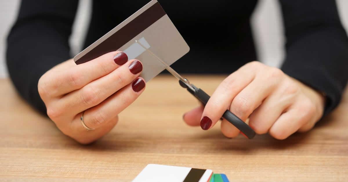 dカードを解約する方法や注意点は?dポイントやiDはどうなる?