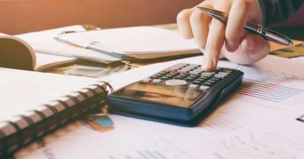 ロボアドバイザーは確定申告が必要?税金に関して必要な対応とは