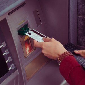 イオンカードでキャッシングする方法は?ATMの使い方について