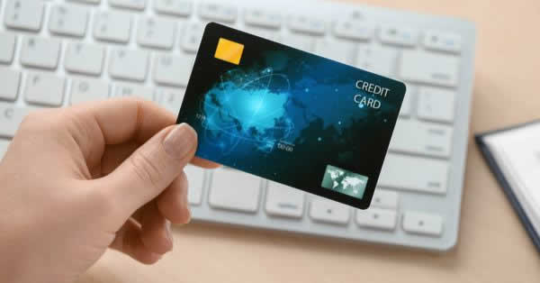 初めて作ったクレジットカード第1位は楽天カード クヌギが調査