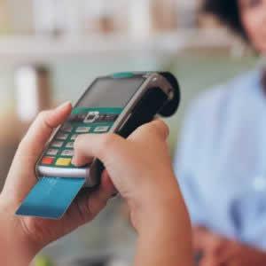 カード決済を店舗に導入する方法や費用、手数料は?おすすめ決済代行サービスやエラーコードの読み方も解説