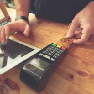 楽天のポイントカードの登録・合算方法は?使えるお店や還元率も紹介