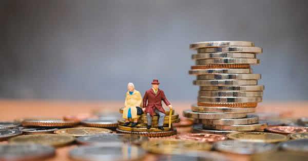 還暦を迎える男女の貯蓄平均は2,956万円 電子マネーの利用率は6割強 PGF生命が調査