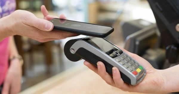 ポイントカード、45.4%はアプリで提示 ローソン銀行とPontaが調査