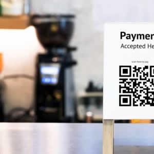 QRコード決済とクレジットカードのお得な組み合わせとは?