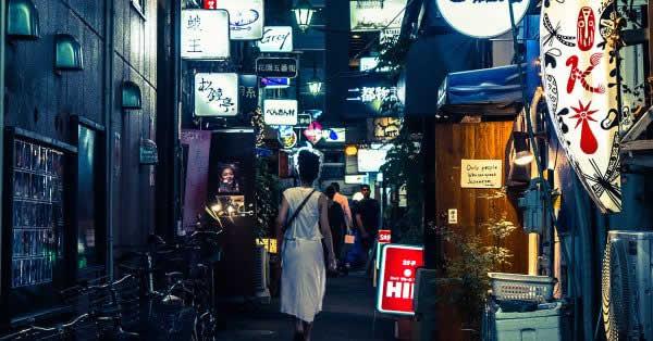 新宿ゴールデン街に超キャッシュレスなお店が出現!?
