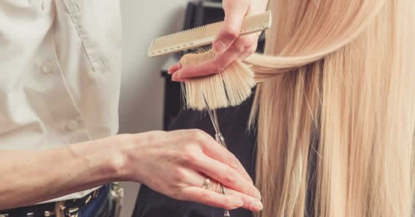 美容サロン、4割が「キャッシュレス決済で物販購入やメニュー追加がしやすい」リクルート調査