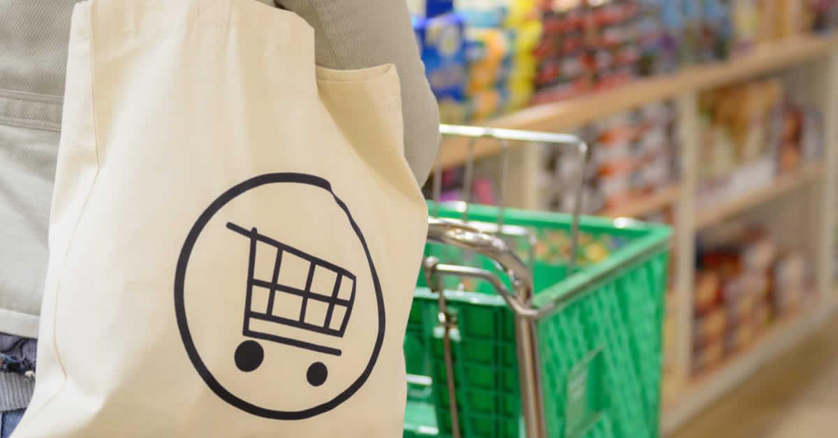 マイバッグの利用、スーパーが最多に 値引き・ポイント還元で後押しも  楽天が調査