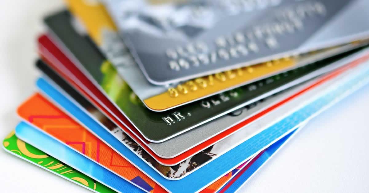クレジットカードの種類一覧!銀行系、信販系、流通系の違いや特徴とは
