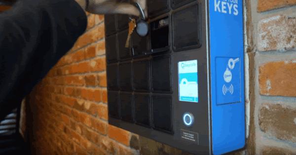 鍵の受け渡しサービスKeycafeとセルフチェックインシステムminpakuINが連携