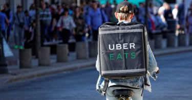 Uber Eats(ウーバーイーツ)福岡の配達エリアや人気の店舗、登録方法は?