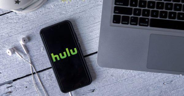 Hulu、賀来賢人・伊藤健太郎主演「今日から俺は!!」スペシャルの未公開シーン復活版を独占配信へ