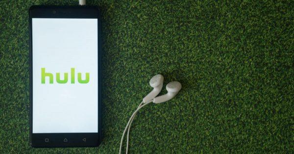 Hulu、新時代のガールズドラマ「NYガールズ・ダイアリー 大胆不敵な私たち」シーズン4を独占配信開始へ