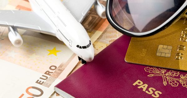 JALカードツアープレミアムとは?手数料や登録・退会方法などを紹介