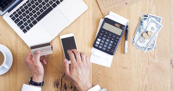 法人カードは日々の業務負担軽減におすすめ!経費管理に役立つ活用術を紹介