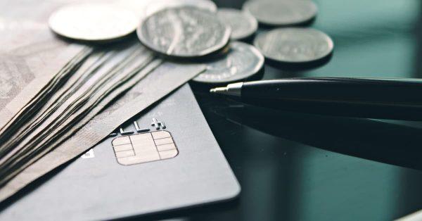 クレジットカードの金利手数料を比較しよう!
