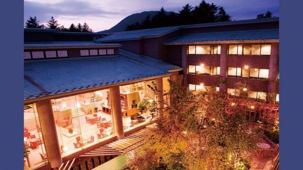 のどかな自然の中で働く。ホテルサイプレス軽井沢のワーケーションPlus+プラン