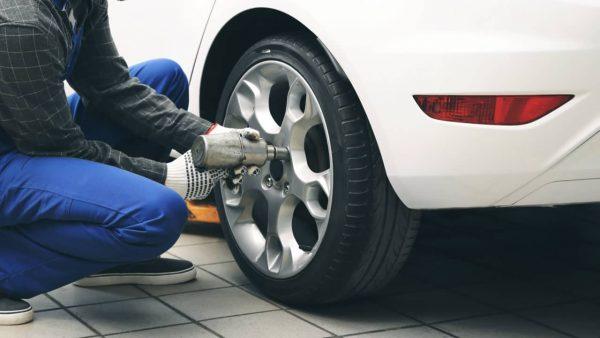 タイヤ交換はどこに頼むのがおすすめ?業者を選ぶポイントとは?