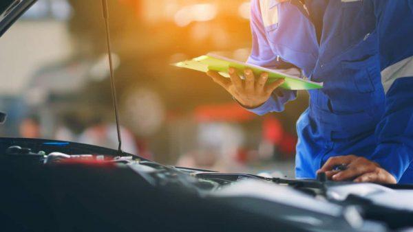 車検の費用を安く抑えるには?ネットと店舗予約を比較