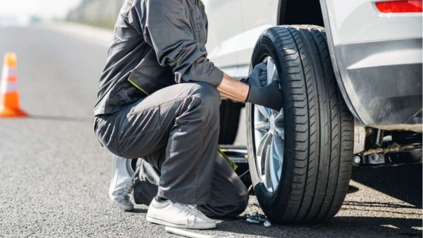 タイヤ交換は工具を揃えるのが大変!ネット予約できるサービスを利用しよう