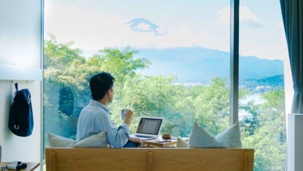 富士山を眺めながら働く。星のや富士のワーケーションプラン