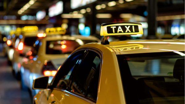 スマホ不要のタクシー呼び出しボタン。オートバックスが大分で実験