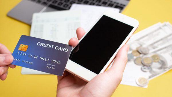ahamo使うならdカード GOLD!利用額10%分のdポイントが毎月もらえる