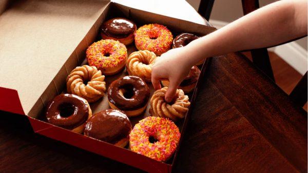 dポイント、ミスド「むぎゅっとドーナツ」購入で5倍に。6月30日まで