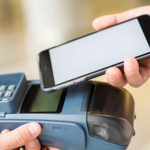 LINE Pay(ラインペイ)カードでオートチャージを設定するには?コンビニチャージの方法も